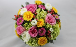 Picture roses, bouquet, buttercups, hydrangeas, asters