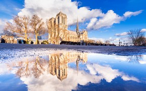 Picture reflection, France, Paris, Notre Dame Cathedral
