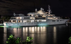 Picture night, lights, yacht