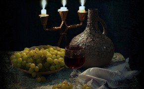 Picture table, fire, wine, glass, candles, plate, grapes, pitcher, twilight, still life, tablecloth, napkin, chandelier