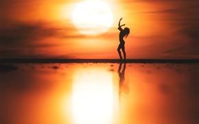 Picture girl, the sun, dance, silhouette