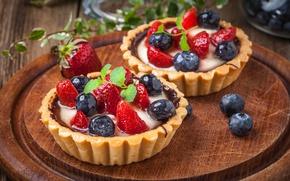 Picture berries, blueberries, strawberry, basket, dessert, cream, dessert, berries, delicious, tart, tartlet