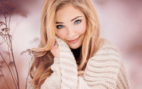 Picture look, girl, face, smile, background, sweater, Jana Eviaková, portrait