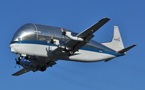 Picture transport aircraft, Aero Spacelines, B-377