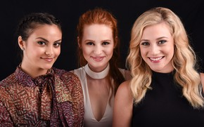 Picture Riverdale, Veronica Lodge, Camila Mendes, Betty Cooper, Lili Reinhart, Riverdale, Cheryl Blossom, Madelaine Petsch