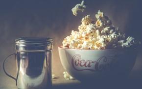 Picture bowl, popcorn, salt, salt shaker