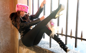 Picture pink, hat, heels, brown hair, legs, badge, leather jacket, Maria Ryabushkina, Maria Ryabushkina