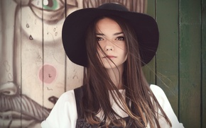 Picture hat, mole, curls, brown-eyed
