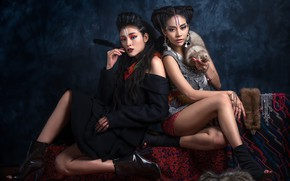 Picture decoration, makeup, two girls, fur, Chakrit Chanpen, Fah and Winamp