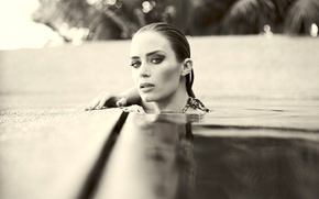 Picture look, water, face, pose, pool, actress, water, Emily Blunt, Emily Blunt