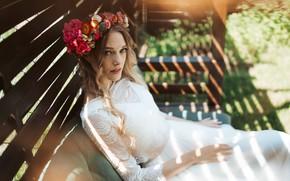 Picture girl, wreath, Luisa Bergy