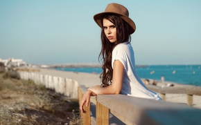 Picture sea, beach, girl, the sun, pose, hat, makeup, brunette, hairstyle, bokeh
