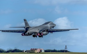 Picture Lancer, B-1B, UNITED STATES AIR FORCE, strategic bomber, Rockwell B-1 Lancer, with variable sweep wing, …