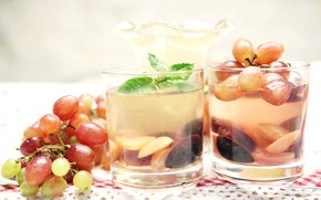 Picture juice, grapes, mint