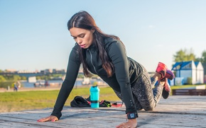Picture woman, fitness, pushups, Outdoor activity