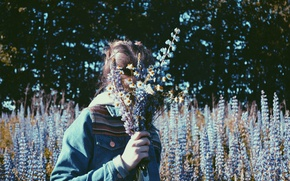 Picture summer, girl, trees, flowers, chamomile, lupins