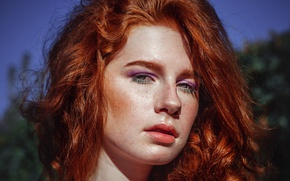 Picture reflection, shadows, Redhead, freckles