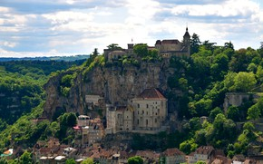 Picture greens, forest, the sky, clouds, trees, mountains, rocks, France, home, fortress, Sunny, Rocamadour