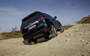 Picture sand, the sky, SUV, Toyota, rear view, 4x4, the ground, Land Cruiser, the five-door
