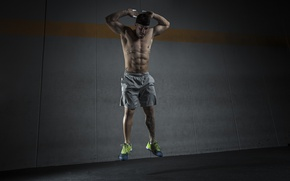 Picture Training, abs, constancy, man jumping