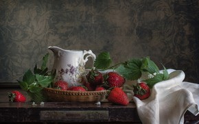 Picture pitcher, nettle, strawberry