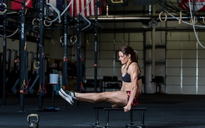 Picture female, workout, CrossFit