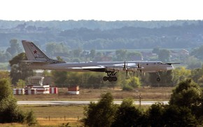 Picture Tu-95MS, Bear, bomber bomber, Russian turboprop strategic, The aircraft carrier of cruise missiles X-55