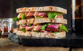 Picture Greens, Hamburger, Sausage, Bread, Filling