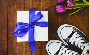 Picture flowers, gift, sneakers, bouquet, tape, tulips, wood, flowers, tulips, gift, purple, sneakers