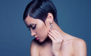 Picture face, background, portrait, earrings, makeup, brunette, hairstyle, profile, beauty, manicure