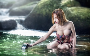 Picture girl, river, Asian