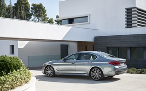 Wallpaper the sky, house, vegetation, BMW, Parking, back, side view, flowerbed, facade, 540i, 5, M Sport, ...