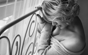 Picture girl, window, neckline, b & W photo