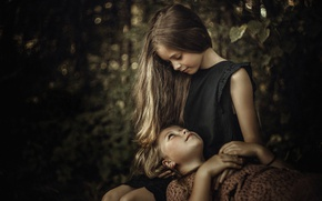 Picture friendship, sisters, two girls