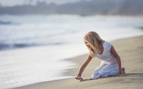 Picture sand, surf, girl, Edie Layland