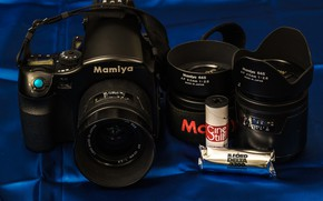 Picture the camera, lenses, Mamiya, 645 AFD