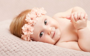 Picture look, child, girl, handle, beautiful, smile, beautiful, baby, hands, glance, Infants