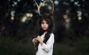 Picture girl, horns, Katie Andelman, Golden Faun