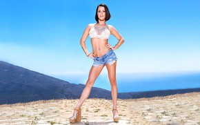 Wallpaper sand, the sky, look, girl, mountains, shorts, bracelet, Peta Jensen, tatuirovka
