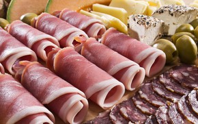 Picture meat, olives, sausage