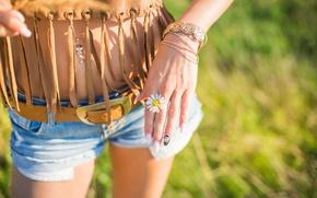 Wallpaper Daisy, bracelet, girl, shorts, flower, hand, strap, manicure, piercing, white petals