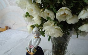 Picture figurine, shy, may rose