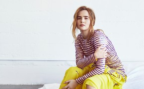 Picture pose, actress, Zoey Deutch