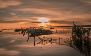 Picture night, network, lake, boats