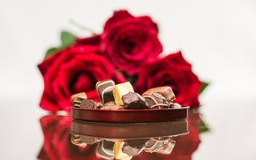 Picture gift, roses, candy, chocolate