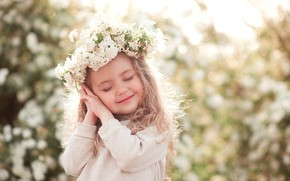 Picture flowers, children, smile, hands, girl, wreath