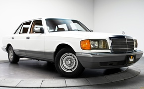 Picture Mercedes-Benz, S-Class, W126