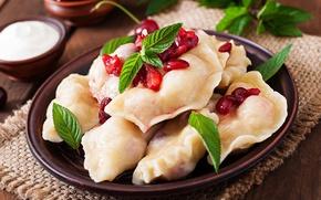 Picture cherry, mint, dumplings