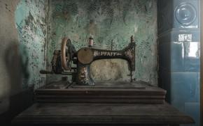 Picture background, sewing machine, pfaff