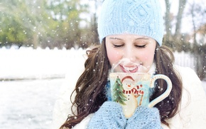 Picture winter, girl, snow, hat, brunette, couples, Cup, mittens